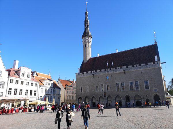 電子国家エストニアの「リアル」 課題解決としてのデジタル化、起業意識、働き方